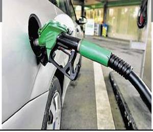 पेट्रोल पंपचालकांची ऑगस्टपासून इंधन खरेदी बंद, 'नो हेल्मेट नो पेट्रोल' वाद चिघळणार|जळगाव,Jalgaon - Divya Marathi