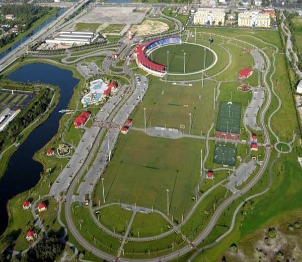 अमेरिकेतील फ्लोरिडा राज्यातील फोर्ट लौडेरडेल येथील सेंट्रल ब्रॉवर्ड रिजनल पार्क या मैदानात भारत आणि वेस्ट इंडिज यांच्यातील टी-20 लढती होतील. हेच ते स्टेडियम ज्याला आयसीसीची मान्यता आहे. - Divya Marathi