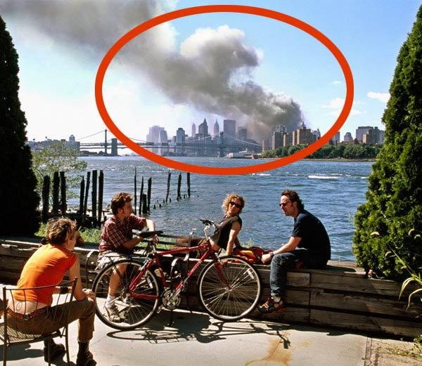 9/11 च्या वेळी क्लिक केला गेलेला विवादित फोटो... - Divya Marathi
