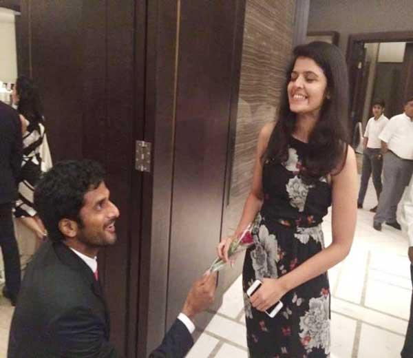 साकेतने डेविस कपच्या डिनरदरम्यान गर्लफ्रेंड श्रीलक्ष्मी एनुमोलुला लग्नासाठी प्रपोज केले. - Divya Marathi