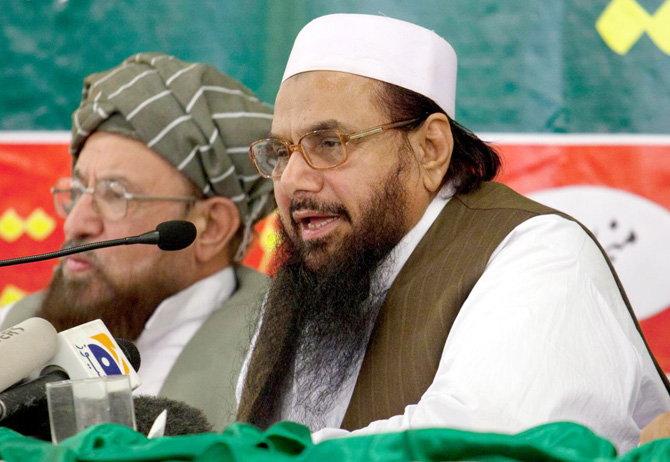 हाफिज सईदला पाकिस्तान का सांभाळत आहे, असा सवाल सत्ताधारी पक्षाच्या खासदाराने उपस्थित केला आहे. - Divya Marathi