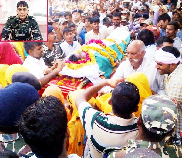जवान घनश्याम गुर्जरचे लग्न पक्के झाले होते. त्याची तयारीही सुरु झाली होती. - Divya Marathi