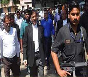 विशेष सरकारी वकील उज्ज्वल निकम लढवणार खटला - Divya Marathi
