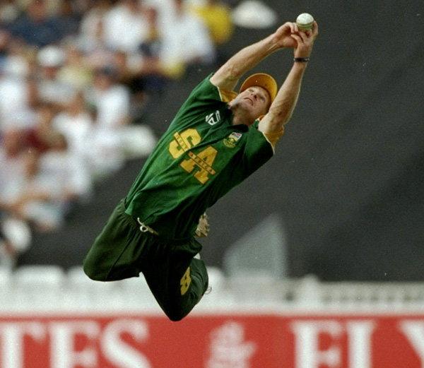 जॉन्टी रोड्स क्रिकेटच्या इतिहासातील आतापर्यंतचा सर्वोत्कृष्ट क्षेत्ररक्षक राहिला आहे. - Divya Marathi