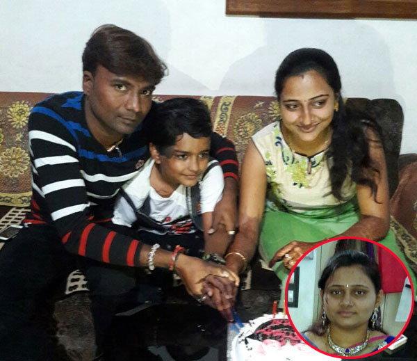 भावेश, स्मित, कोमल, इन्सेट मृत बहीण अवनी. - Divya Marathi