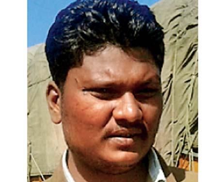 माेहसीनशेख, चालक - Divya Marathi
