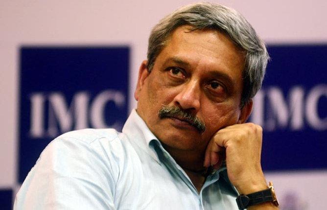 ममतांच्या आरोपाने दुःख झाले असल्याचे पर्रिकरांनी पत्रात म्हटले आहे. - Divya Marathi