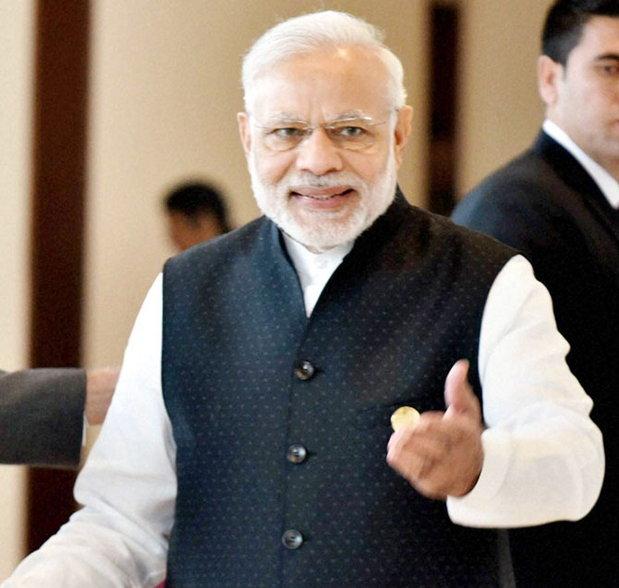 मोदींनी 8 नोव्हेंबरच्या रात्री 8 वाजता देशाला संबोधित करुन नोटबंदीची घोषणा केली होती. - Divya Marathi