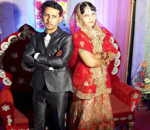 चेन स्नॅचर तौफीक आपल्या पत्नीसोबत. - Divya Marathi