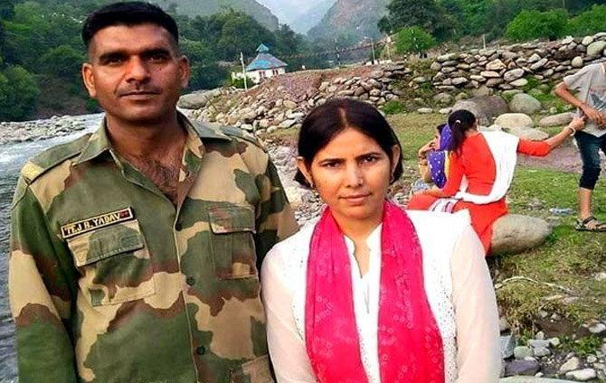 बीएसएफ जवान तेज बहादूर यांची पत्नी शर्मिलाने त्यांच्या अटकेचा आरोप लावला आहे. (फाइल) - Divya Marathi