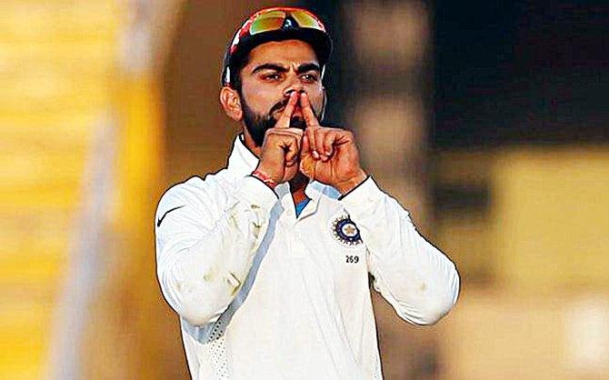 विराट कोहलीशी चुकूनही स्लेजिंग करू नका असा सल्ला माजी क्रिकेट मायकल हसीने टीम ऑस्ट्रेलियाला दिला आहे. - Divya Marathi