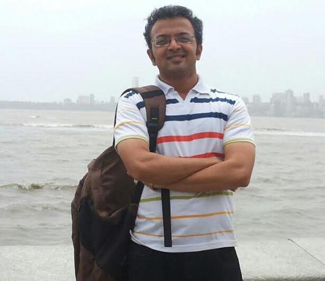 'पठार'चे दिग्दर्शक निखिलेश चित्रे - Divya Marathi