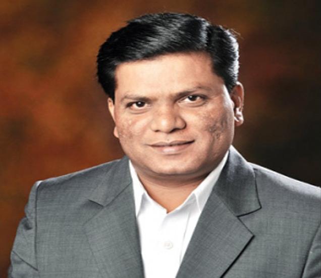 मिलिंद कांबळे यांनी 2005 मध्ये दलित उद्योजकांच्या मदतीसाठी 'दलित इंंडियन चेंबर ऑफ कॉमर्स अँड इंडस्ट्रीज\' म्हणजेच DICCI या संघटनेची स्थापना केली. - Divya Marathi