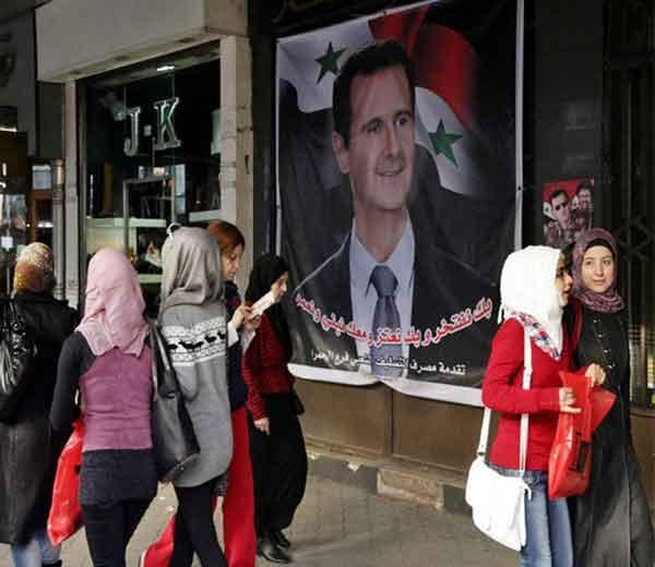 सीरियाची राजधानी दमिश्कमधील मध्य शहरातील रस्त्यांवरील नजारा... - Divya Marathi