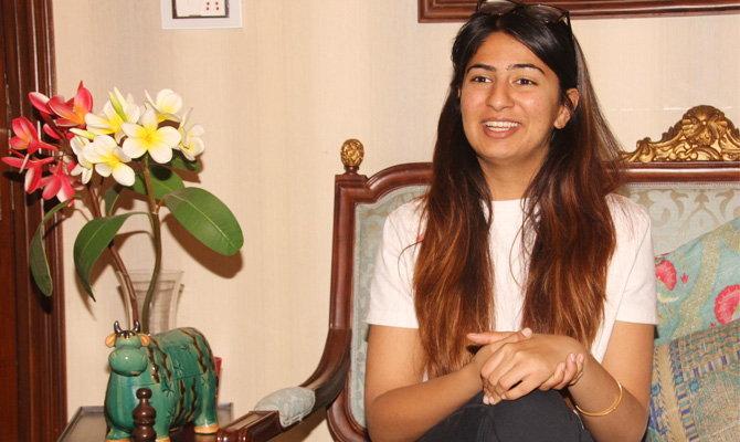 गुरमेहर कौर श्रीराम कॉलेजमध्ये इंग्लिश लिटरेचरची स्टुडेंट आहे. ती मूळची लुधियाना येथील रहिवासी आहे. (फाईल) - Divya Marathi