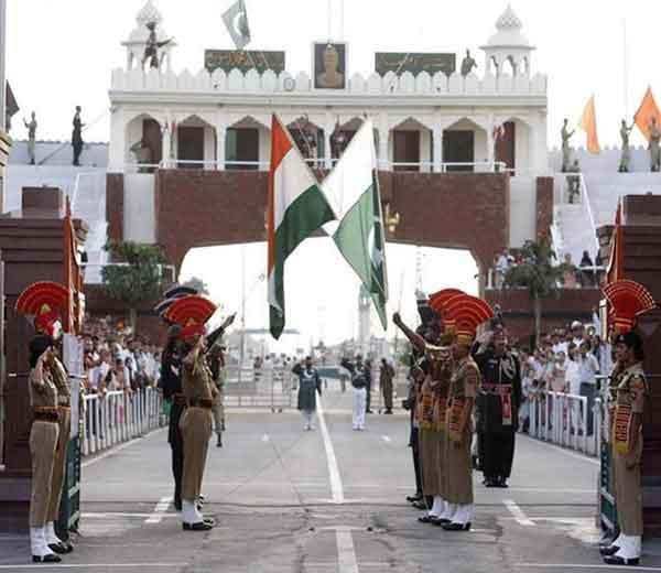 भारत-पाकिस्तान ( वाघा बॉर्डर ) - Divya Marathi