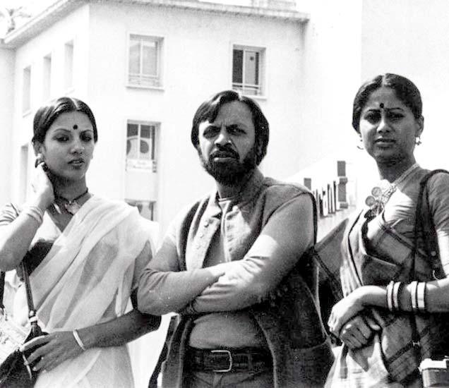 1976 मधील शबाना आझमी, श्याम बेनेगल आणि स्मिता पाटील यांचा कानमधील फोटो. - Divya Marathi
