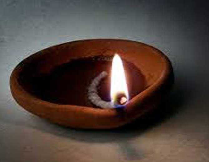 संध्याकाळच्या वेळी करावे हे 1 काम, यामुळे होतात हे फायदे|धर्म,Dharm - Divya Marathi