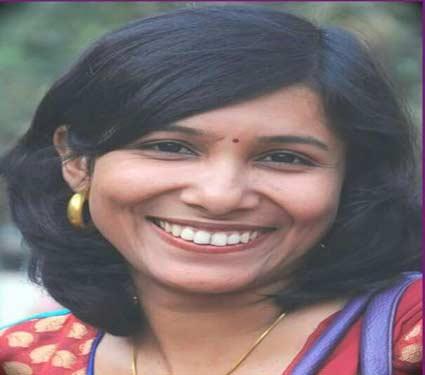 यंदापासून महिला गटातील पुरस्कार देखील देण्यात येणार असून त्यासाठी आरतीश्यामल जोशी यांची निवड करण्यात आली आहे. - Divya Marathi