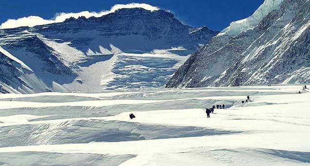 पाकिस्तानने सियाचीनमध्ये आपले सर्व फॉरवर्ड बेस अॅक्टिव्ह केले आहेत. - Divya Marathi