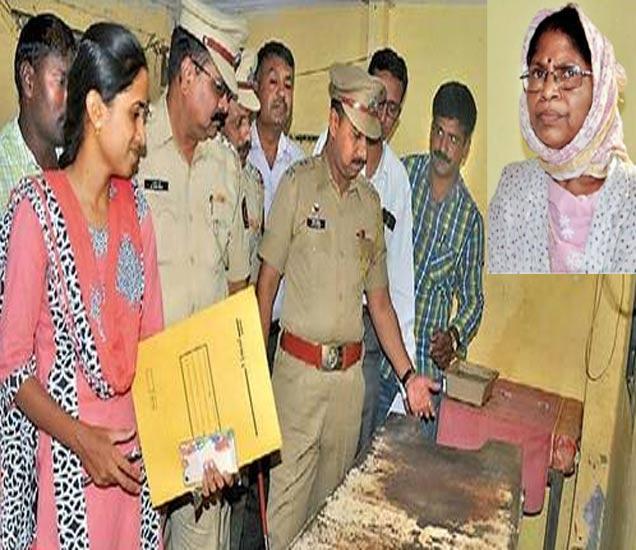 गर्भपात केंद्राची पाहणी करताना पोलिस अधिकारी. छाया : मनोज पराती - Divya Marathi