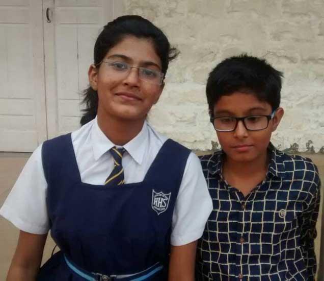मुस्कान पठाण आणि तिचा भाऊ... - Divya Marathi