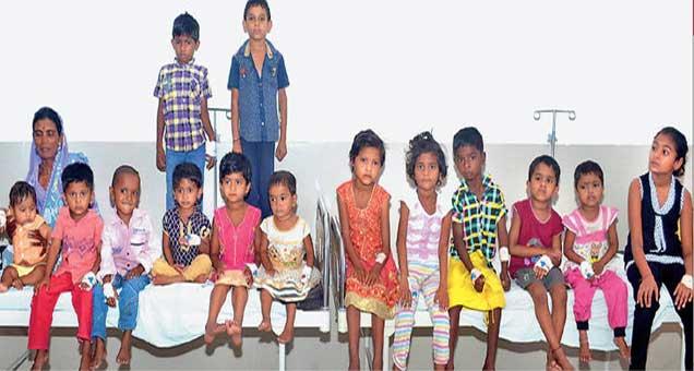 एसएनबीटी हार्ट इन्स्टिट्यूटमध्ये राजीव गांधी जीवनदायी याेजनेअंतर्गत हृदयराेगाच्या शस्त्रक्रिया झालेली २१ बालके. - Divya Marathi