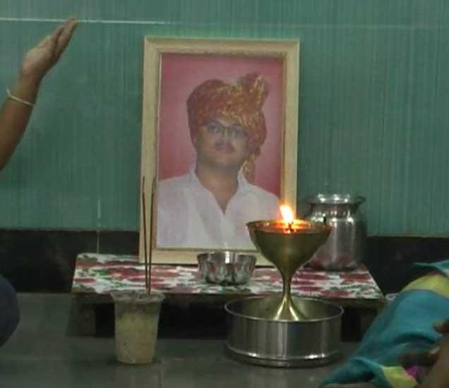 तेजस म्हस्के या तरुणाचे अपघातात निधन झाले. - Divya Marathi