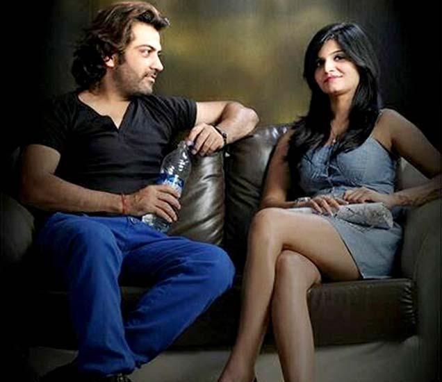 मनू पंजाबी आणि प्रिया सैनी. - Divya Marathi
