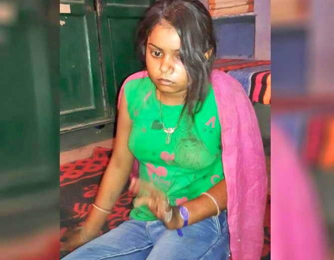 जीन्स घातल्याने नाराज झालेल्या पत्नीने पतीवर वार केले. - Divya Marathi