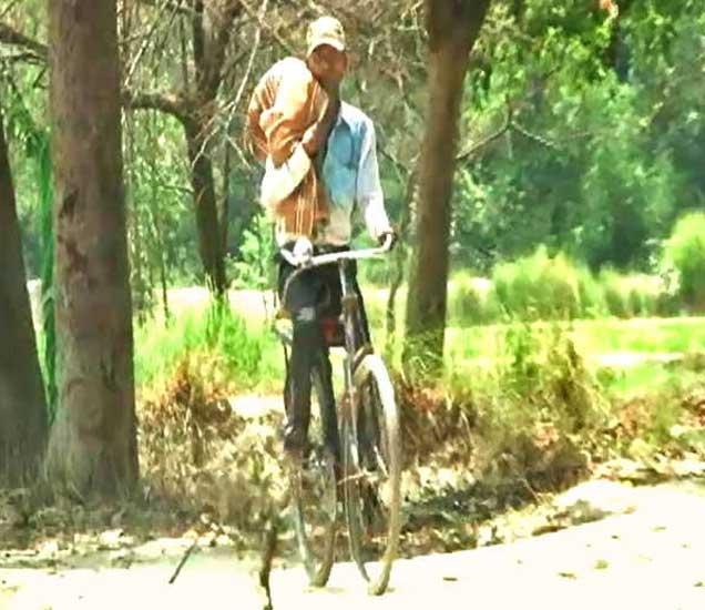 रुगणालयाने कुटुंबियांना रुग्णवाहिका देण्यास नकार दिला. - Divya Marathi