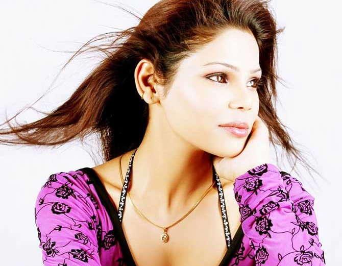अभिनेत्री कृतिका चौधरी - Divya Marathi