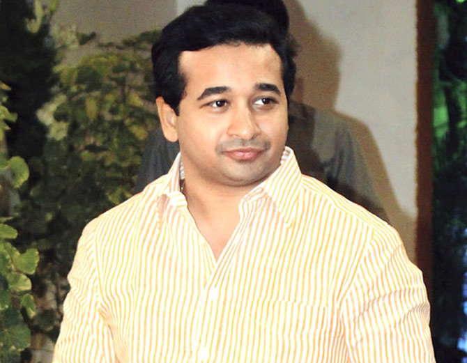 नारायण राणे यांच्या आमदार पुत्राला आता शिवसेना कसे प्रत्युत्तर देते, हे पाहाणेही औत्सूक्याचे ठरणार आहे. - Divya Marathi