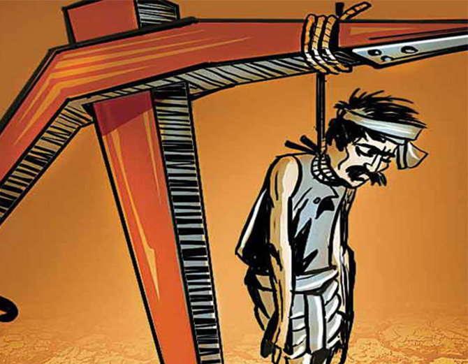 देशात रोज 33 शेतकऱ्यांची आत्महत्या, शेतीशी संबंधीत व्यापारी, उद्योजकांची कमाई मात्र कोट्यवधींमध्ये होत आहे. - Divya Marathi