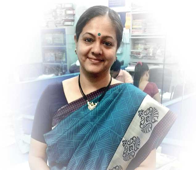 साेनाली  गुजर - Divya Marathi