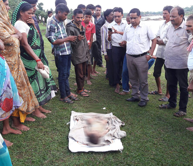 6 महिन्यांच्या बाळाचा मृतदेह सापडला आहे. - Divya Marathi