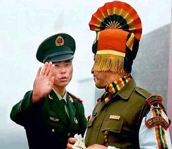 सध्याच्या घडीला भारताकडे चीनविरूद्ध वापरायचे झाल्यास व्यापार हेच सर्वात मोठे हत्यार आहे. - Divya Marathi