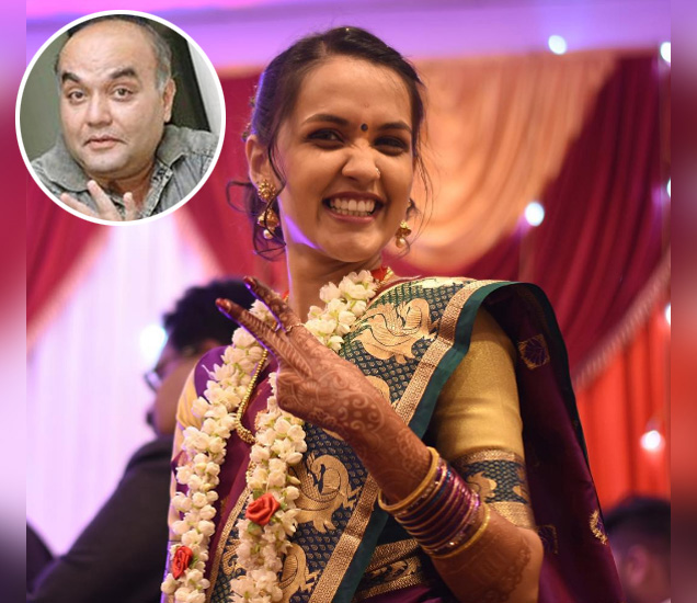 सानिका अभ्यंकर हिने शेअर केलेला तिच्या साखरपुड्याचा खास फोटो. इनसेटमध्ये आनंद अभ्यंकर - Divya Marathi
