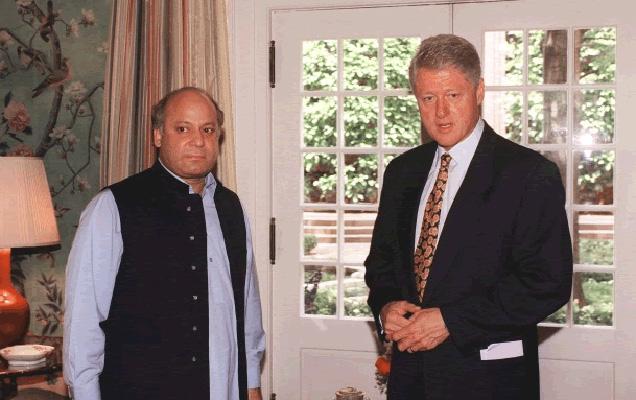 पाकिस्तानच्या हिताची चिंता नसती तर ती ऑफर स्वीकारली असती असा दावा शरीफांनी केला आहे. (फाईल) - Divya Marathi