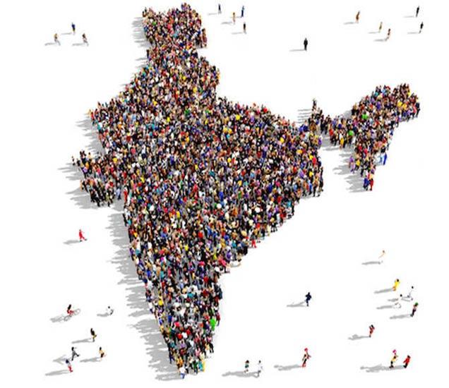 केंद्र सरकारच्या मते, फर्टिलिटी रेट आता 2.3 झाला आहे. 1951 मध्ये एका कुटुंबाला 6 मुले व्हायची. (सिम्बॉलिक) - Divya Marathi