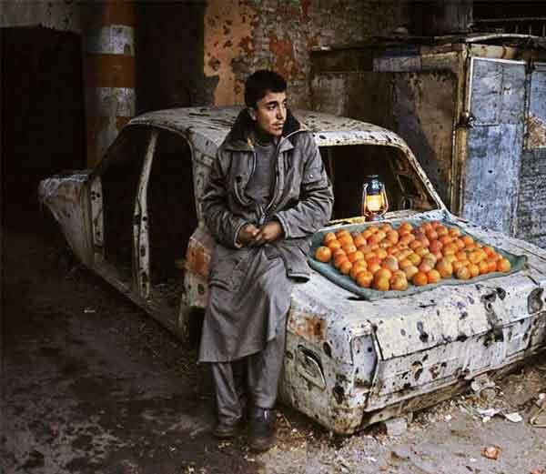 अफगाणिस्तानात युद्धामुळे मुले शिक्षणासारख्या मुख्य पायाभूत सुविधेपासून वंचित आहेत. - Divya Marathi