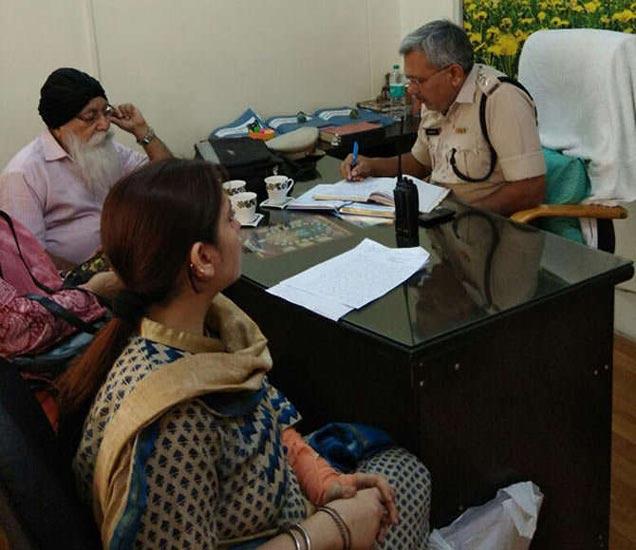 जीवन मोटर्सचा मालक पवनदीपच्या पत्नीने त्याच्याविरुद्ध तक्रार नोंदवली. - Divya Marathi
