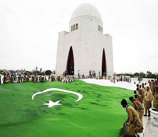 पाकिस्तान आज 70 वा स्वातंत्र दिन साजरा करत आहे त्यानिमित्त पाकिस्तानात चीनचे उपराष्ट्राध्यक्ष वॅंग यान हजर झाले आहेत. - Divya Marathi