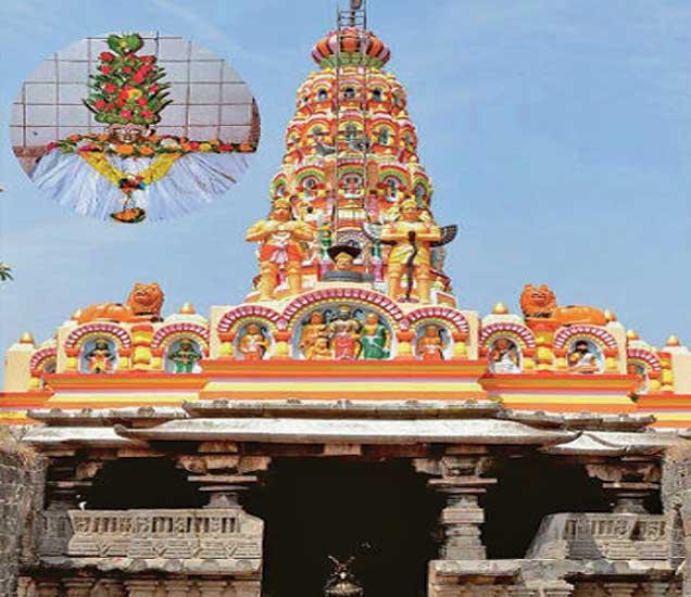 सुंदर नक्षीकामात मढलेले पुरातन शिवमंदिर - Divya Marathi