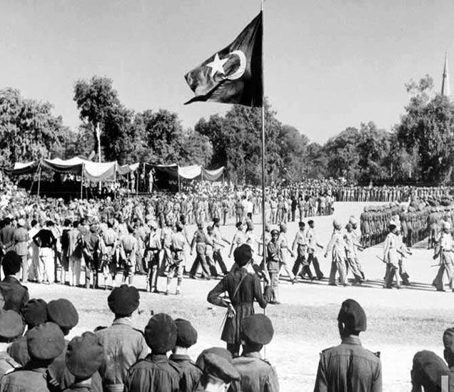 14 ऑगस्ट 1947 रोजी पाकमध्ये झालेले परेडचे आयोजन. - Divya Marathi