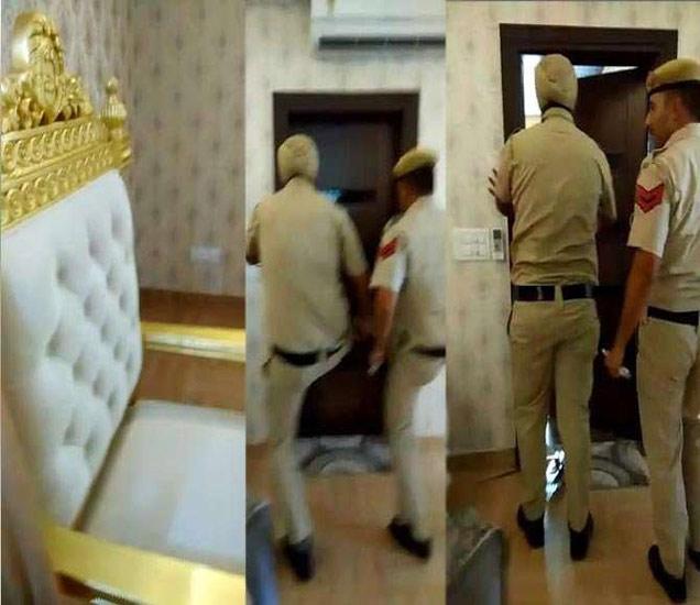पोलिसांनी लाथ मारून बेडरूमचे दार तोडले. - Divya Marathi