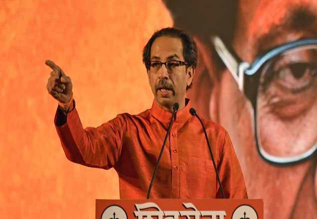 केंद्रीय मंत्रिमंडळ विस्तारात केवळ एका मंत्रीपदाची ऑफर असल्याने शिवसेनेत नाराजी पसरली आहे. - Divya Marathi