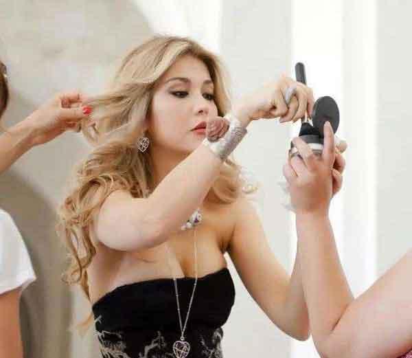 उज्बेकिस्तानचे माजी राष्ट्राध्यक्ष इस्लाम करीमोव यांची मुलगी गुलनारा... - Divya Marathi