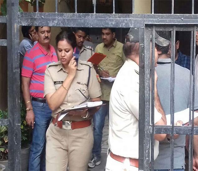 वृद्ध दांपत्याची गळा चिरून निर्घृण हत्या करण्यात आली. - Divya Marathi