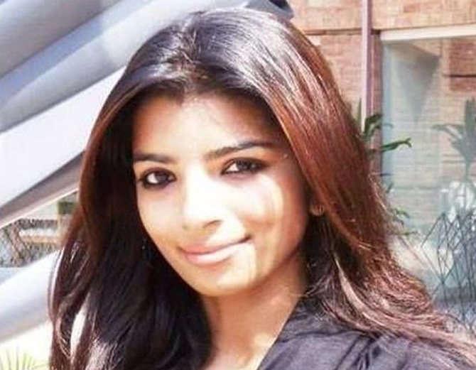 झीनतची सुटका अफगाणिस्तान सीमेवरून करण्यात आली आहे. - Divya Marathi